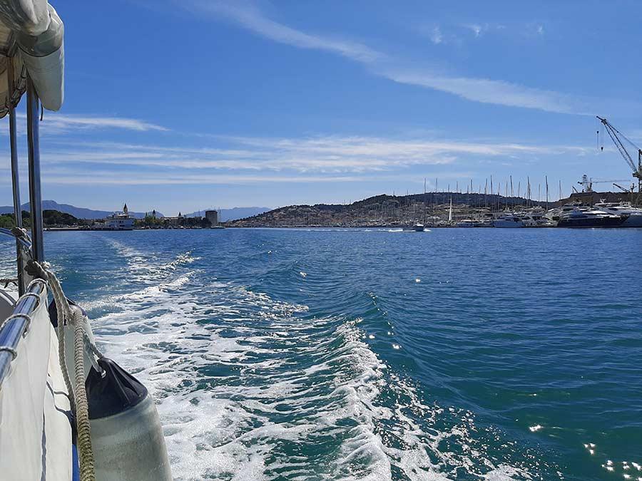 Prosipanje urne u more Jadran